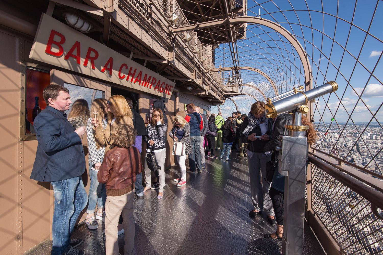Champagne Bar Torre Eiffel